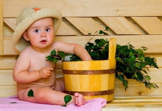 Баня для ребенка: за и против
