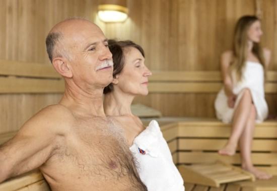 Можно ли ходить в баню в пожилом возрасте?