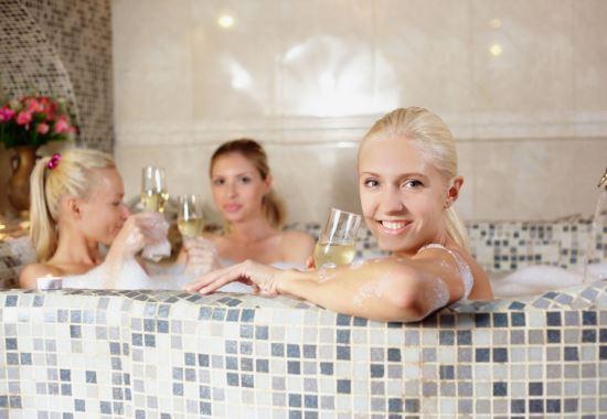 Как организовать девичник в бане или сауне