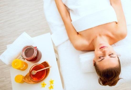 Как использовать мед в бане для лица и тела